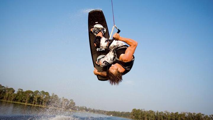 wakeboard_upsidedown